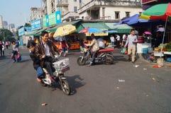 Shenzhen Kina: Gatagrändlandskap Arkivfoton