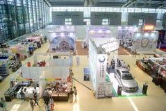 Shenzhen Kina: Hem- inredning levererar utställning royaltyfria foton