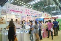 Shenzhen Kina: Hem- inredning levererar utställning arkivbild