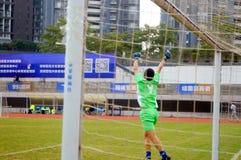 Shenzhen Kina: i den pågående fotbollsmatchen Arkivbilder