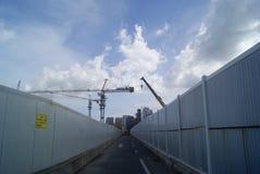 Shenzhen Kina: konstruktionsplatsen av tornkranen Arkivfoton