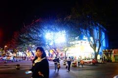 Shenzhen Kina: nattgataplats Fotografering för Bildbyråer