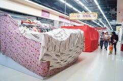 Shenzhen Kina: Nyårsaftonen shoppar stängt tidigt Royaltyfri Fotografi