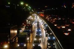 Shenzhen Kina: trafiklandskapet av vägen för 107 medborgare på natten Arkivbild