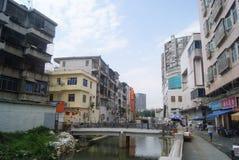 Shenzhen Kina: Xixiang flodlandskap och byggnader Arkivbilder
