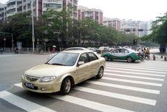 Shenzhen, porcelana: cruzamento de zebra da estrada Fotografia de Stock Royalty Free