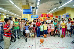 Shenzhen porcelana: zabaw rodzinne gry Fotografia Royalty Free