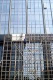 Shenzhen, porcellana: lavoratori nel vetro di alta costruzione della parete della costruzione Fotografia Stock Libera da Diritti
