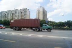 Shenzhen porslin: för vägtrafik för 107 medborgare landskap Arkivfoton