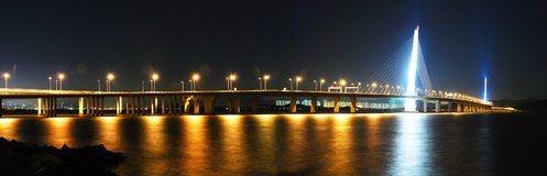 Shenzhen-westliche Durchführungbrücken-Nachtszene Lizenzfreies Stockfoto
