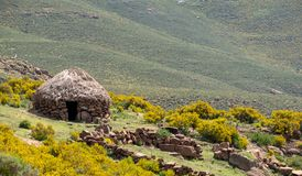 Free Shepherd`s Mud Hut In The Hills Near The Town Of Mokhotlong In North Eastern Lesotho, Africa. Stock Photo - 147120710