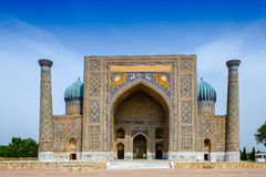 Sher Dor madrasah op Registan-vierkant, Samarkand royalty-vrije stock foto