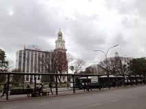 Sheraton Hotel e Sheraton Hotel e Torre de los Ingleses em Retiro Buenos Aires Argentina imagens de stock