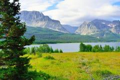 Sherburne湖在冰川国家公园 库存图片