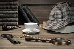 Free Sherlock Holmes Concept. Private Detective Tools On The Wood Tab Royalty Free Stock Photography - 65189887