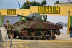 sherri Amerykański zbiornik który uczestniczył w Drugi wojnie światowej na pokazie w Normandy, Francja obraz stock