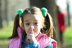 Shhh stockfoto