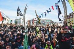 Shia Muslim män ropar den islamiska sloganAshura processionen Royaltyfria Bilder