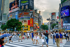 Shibuya που διασχίζει σε Tokio, Ιαπωνία Στοκ Φωτογραφίες