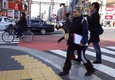 横穿日本人shibuya东京 库存图片