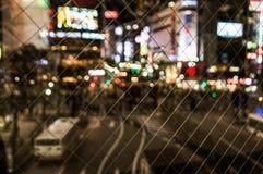 Shibuya die in Tokyo bij Nacht kruisen zoals die van het Shibuya-Postviaduct wordt gezien Royalty-vrije Stock Foto's