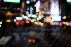 Shibuya die in Tokyo bij Nacht kruisen zoals die van het Shibuya-Postviaduct wordt gezien Stock Fotografie