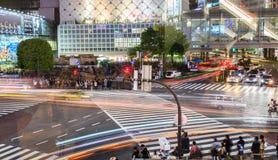 Shibuya korsning på natten tokyo japan Arkivbild