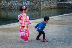 Shichi-gå-san; Traditionell ritual av passagen i Japan Royaltyfri Fotografi