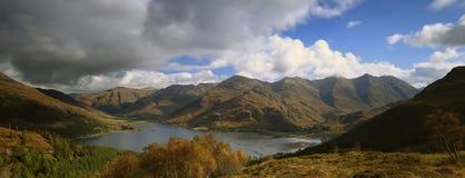 Shiel озера, Шотландия, ландшафт, горы Стоковые Изображения RF