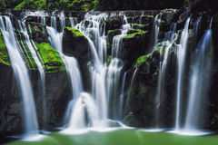 Shifen-Wasserfall-lange Belichtungsphotographie bei Sunny Day in Pingxi-Bezirk, neues Taipeh, Taiwan Lizenzfreie Stockfotografie