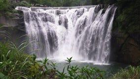 Shifenwaterval, Pingxi, Nieuw Taipeh, Taiwan Populaire toeristische attractie stock videobeelden