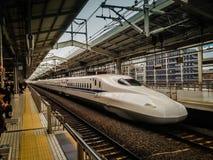 Shikansen, σταθμός τρένου του Τόκιο Στοκ φωτογραφία με δικαίωμα ελεύθερης χρήσης
