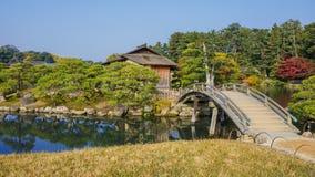 Shima-Jaya Teahouse no jardim Koraku-en em Okayama Foto de Stock