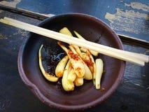 Shima rakyo, ösalladslökar med soya och katsuobushi Royaltyfria Foton