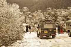 Shimla Himachal Pradesh, December 25, 2018: Oavbrutet snöfall har meddelat turist- tillfälligt för att stanna Närliggande ställes arkivbilder