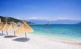 Shingly strand in Baska, Kroatië stock afbeelding