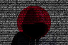 Shininhg de pirate informatique par le drapeau japonais de code informatique illustration libre de droits