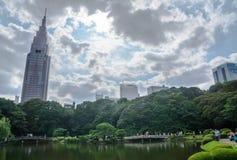 Shinjuku Gyoen medborgareträdgård Royaltyfria Foton