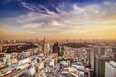 Shinjuku, Tokio miasta linia horyzontu Obrazy Royalty Free