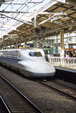 Shinkansen-Geschwindigkeitszug Stockfotografie