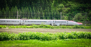 Shinkansen kuldrev i Tohoku, Japan Arkivbild