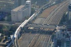 Shinkansen kuldrev på den Tokyo stationen, Japan Arkivfoto