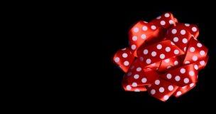 Shinny Czerwonego Ribon na czarnym sztandaru szablonie z kopii przestrzenią Zdjęcia Royalty Free
