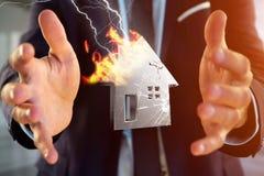Shinny ha danneggiato la casa d'argento visualizzata su un'interfaccia futuristica Fotografia Stock