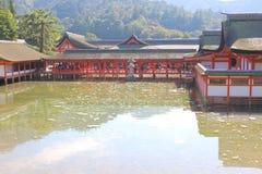 Ιαπωνία: Η λάρνακα Shinto Itsukushima Στοκ εικόνες με δικαίωμα ελεύθερης χρήσης