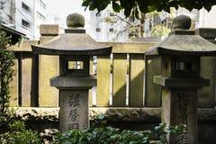 Shintoistischer Schrein in Tokyo, Japan, Nachbarschaft von Asakusa stockfotografie