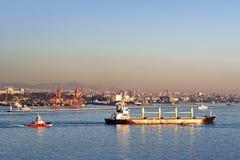 ship bosporus för bulk bärare Royaltyfri Fotografi