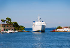 Ship entering in the port Royalty Free Stock Photography
