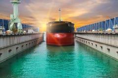ship för aktivitetslasthamburg port Arkivfoto