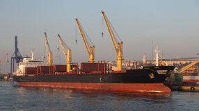ship för aktivitetslasthamburg port Royaltyfri Foto